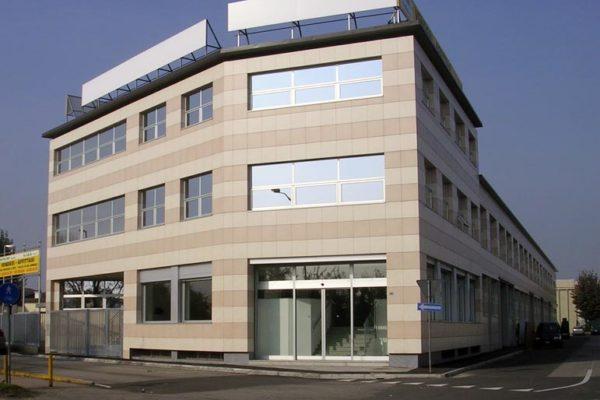 Unità commerciali 5/14/15 in vendita a Peschiera Borromeo (MI) - Via XXV Aprile, angolo Via Marconi