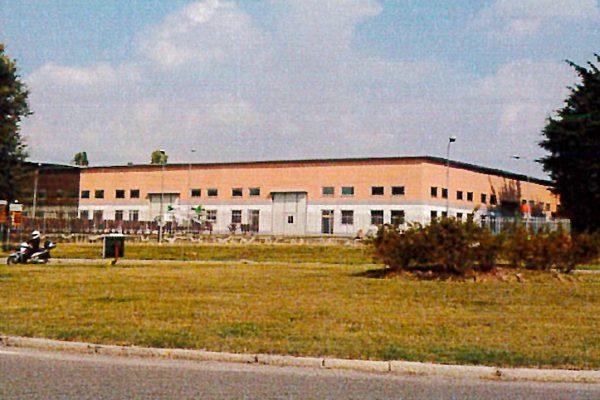 Unità 20 del complesso industriale, via Grandi 4/20 Peschiera Borromeo (MI)
